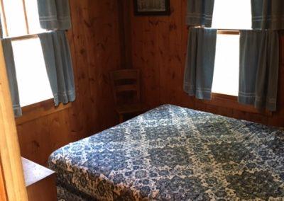B.S. Queen Bed